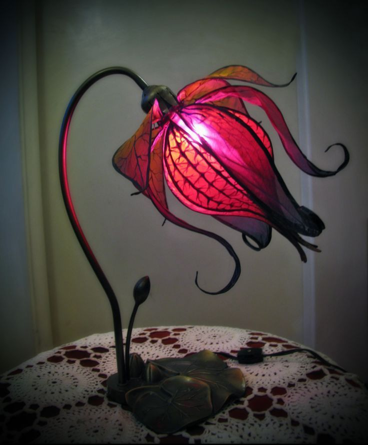 Enchanted Lily Lamp