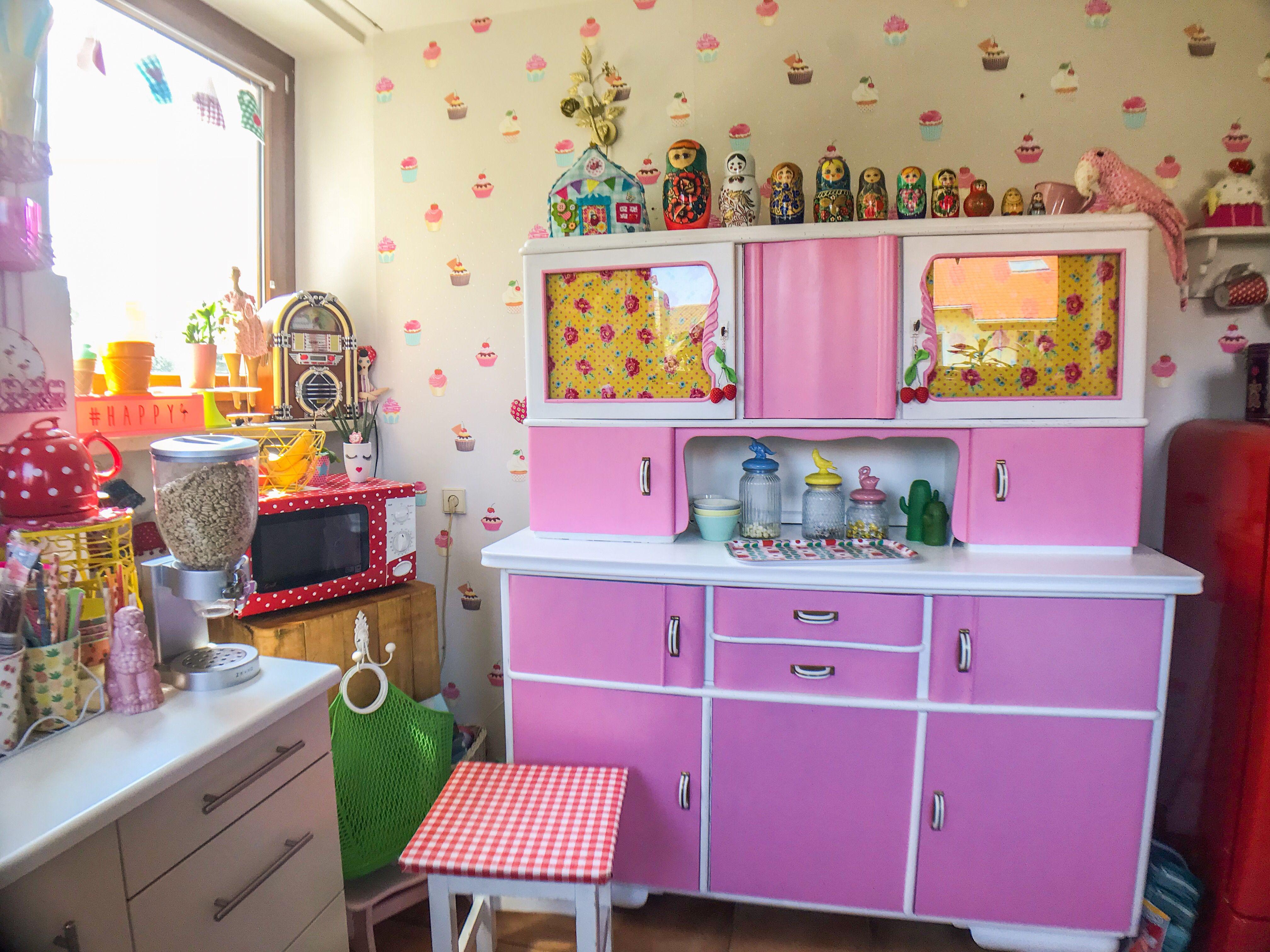 Buffet in pink Zuhause, Küche, Selbstgemacht