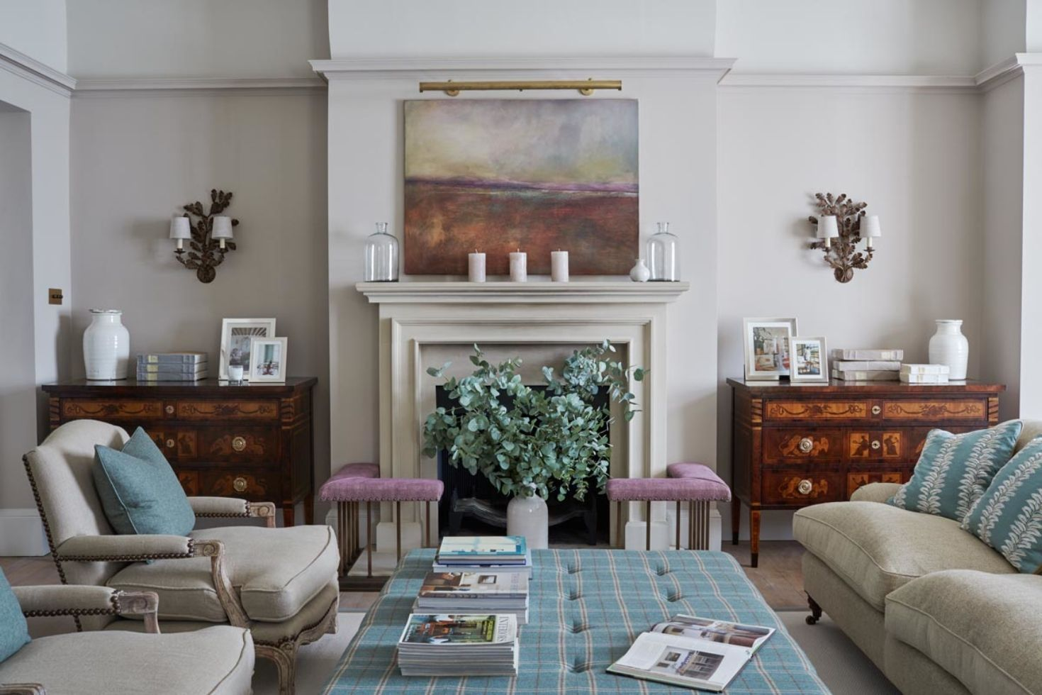 Large Drawing Room With Antique Side Tables Centred To Artwork Above The Fireplace Sims Hilditch Designer Townhouse Interior Elegant Home Decor Interior Design