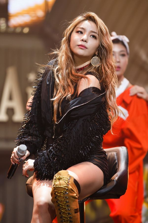 151001 M Countdown Ailee Insane Mind Your Own Business Ailee Makeup Looks For Red Dress Amy Lee