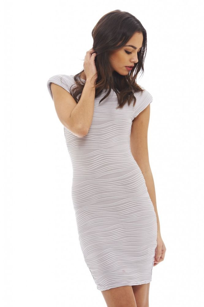 AX Paris Womens Ripple Bodycon Dress * Continue to the