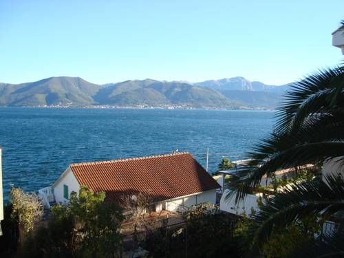 Natalie Apartments Krašići Offering a terrace with sea views, Natalie Apartments is located in Krasici in the Tivat County Region, just steps away from the Adriatic Sea. Free WiFi is offered.  The accommodation is equipped with a flat-screen TV with satellite channels.