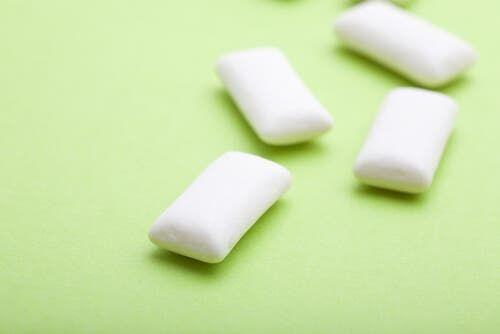 Comment éliminer la plaque dentaire - Améliore ta Santé