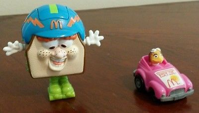 McDonalds Birdie Car Sandwich Transformer Happy Meal cake topper
