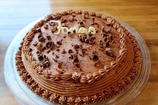 MONICAS MATVERDEN: Anne Kaths sjokoladekake med lys sjokoladekrem