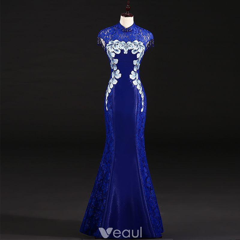 Chinese style Royal Blue Evening Dresses 2018 Trumpet   Mermaid Pierced High  Neck Sleeveless Appliques Flower Rhinestone Beading Tassel Floor-Length    Long ... c352f7515659