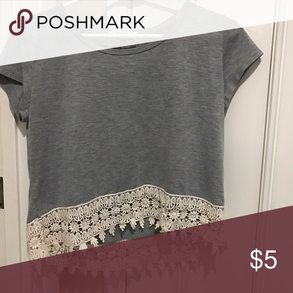 Rewind. T-shirt with lace. Great condition. Rewind Tops Tees - Short Sleeve