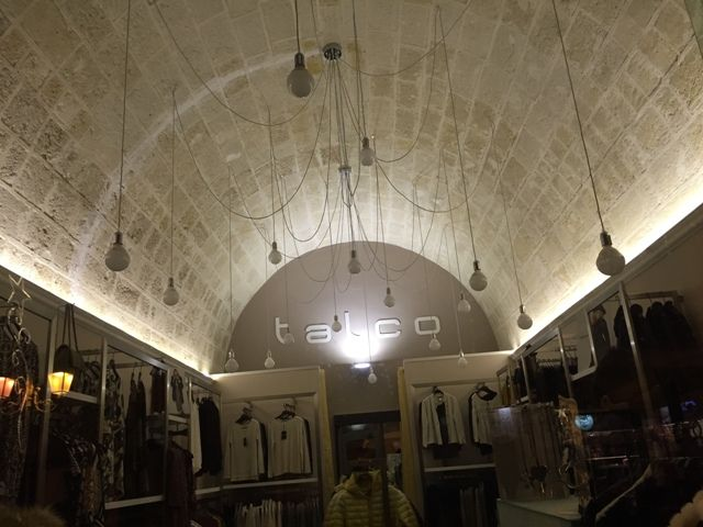 An original idea to #lighting a #shop unidea orriginale per