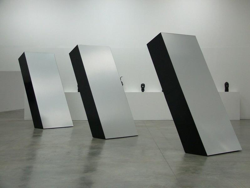Ronald bladen three elements 1965 minimalism for Minimal art installation