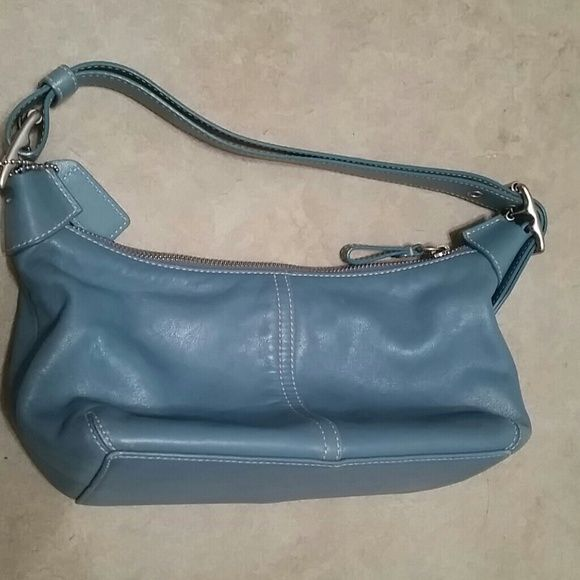 67d193e181 Coach leather bag blue Blue leather Coach purse in great condition ...