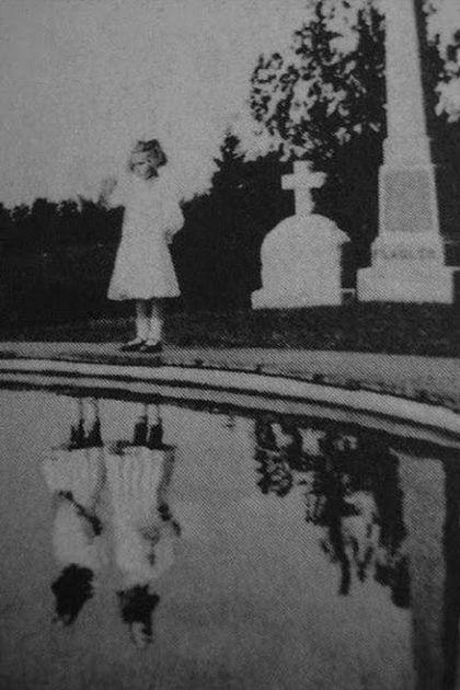Las fotografías son bonitas pero también pueden resultar muy misteriosas, ya que han existido varias fotografías a través de la historia que han logrado captar lo que el ojo humano no puede ver, entre ellas momentos inexplicables. Algunas de estas...
