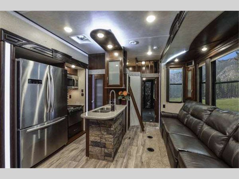 New Heartland Cyclone 4200 Toy Hauler Fifth Wheel For Sale