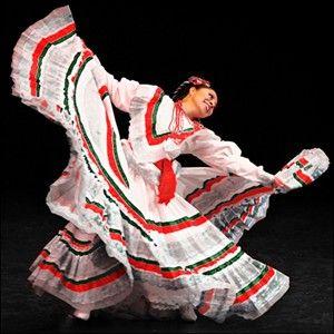 mujer que baila. Como me gusta el baile folklorico
