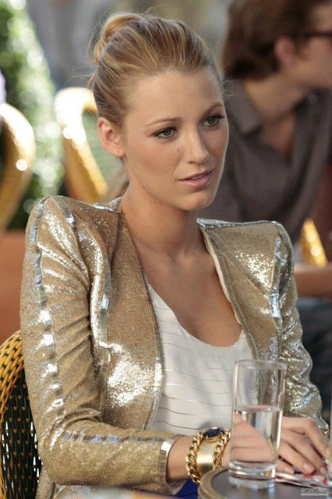 my favorite outfit she wears in allll of the Gossip Girl seasons.