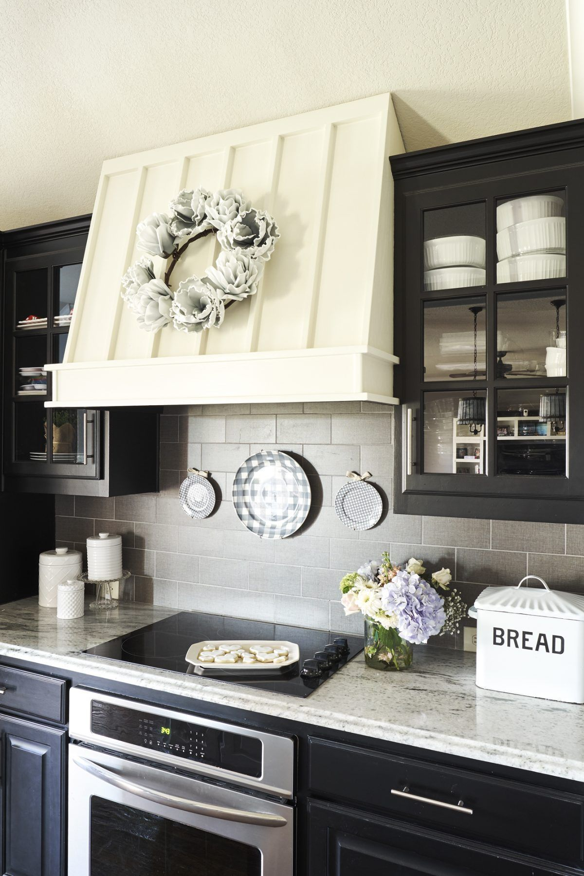 4 New Uses for Old Plates in 2020 Farmhouse style