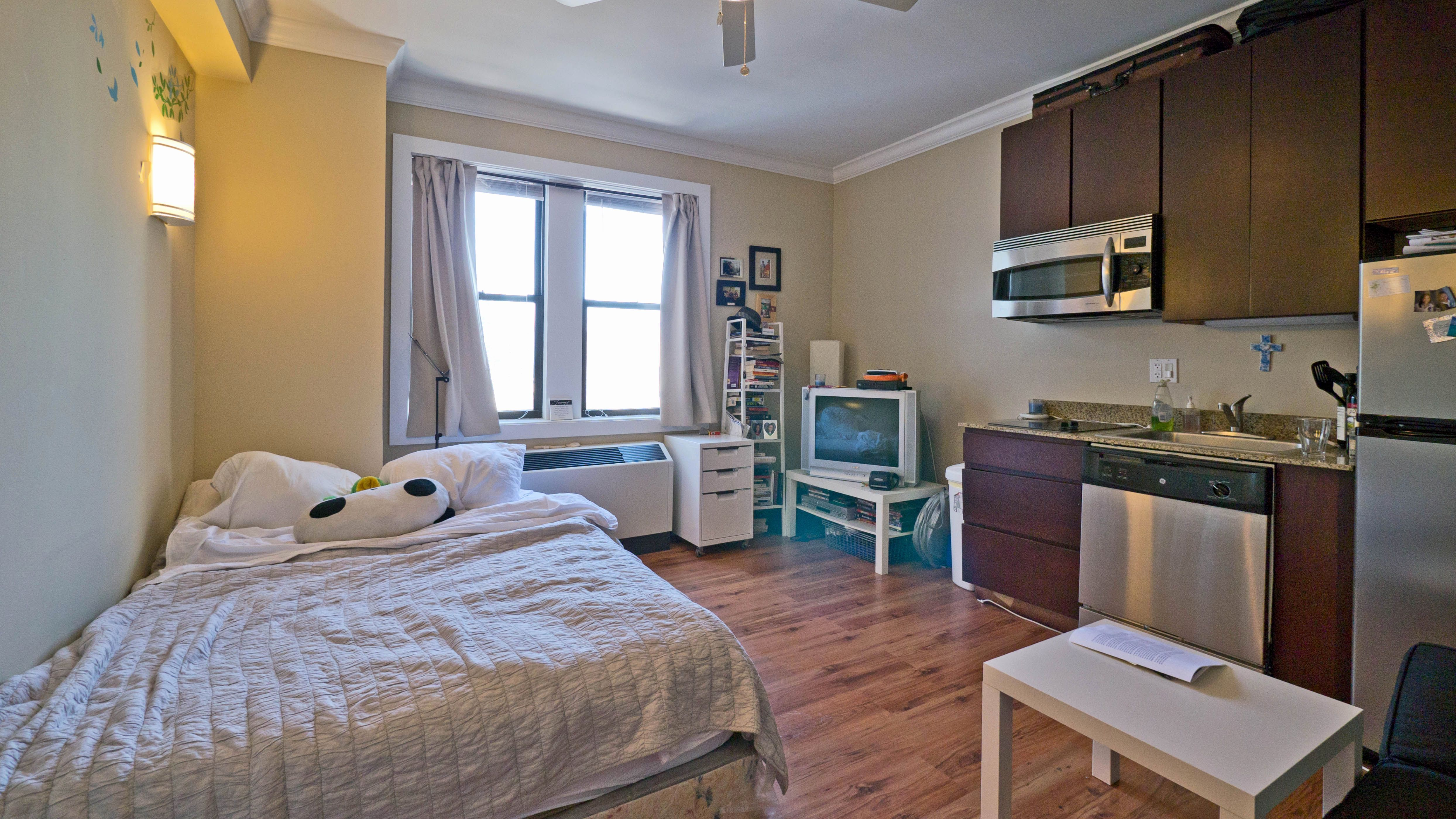 Pin By Union Complex On Union Complex In 2021 Renting A House One Bedroom Apartment Bedroom Apartment