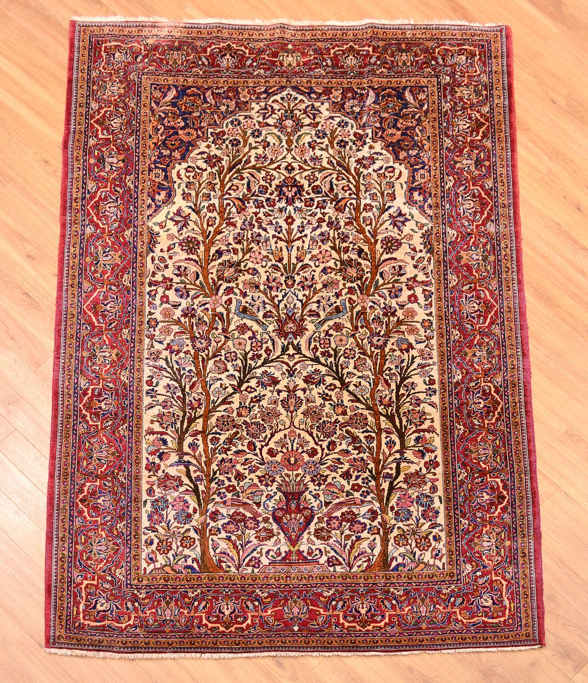 If you are looking to buy Kashan_rugs in Dubai, then