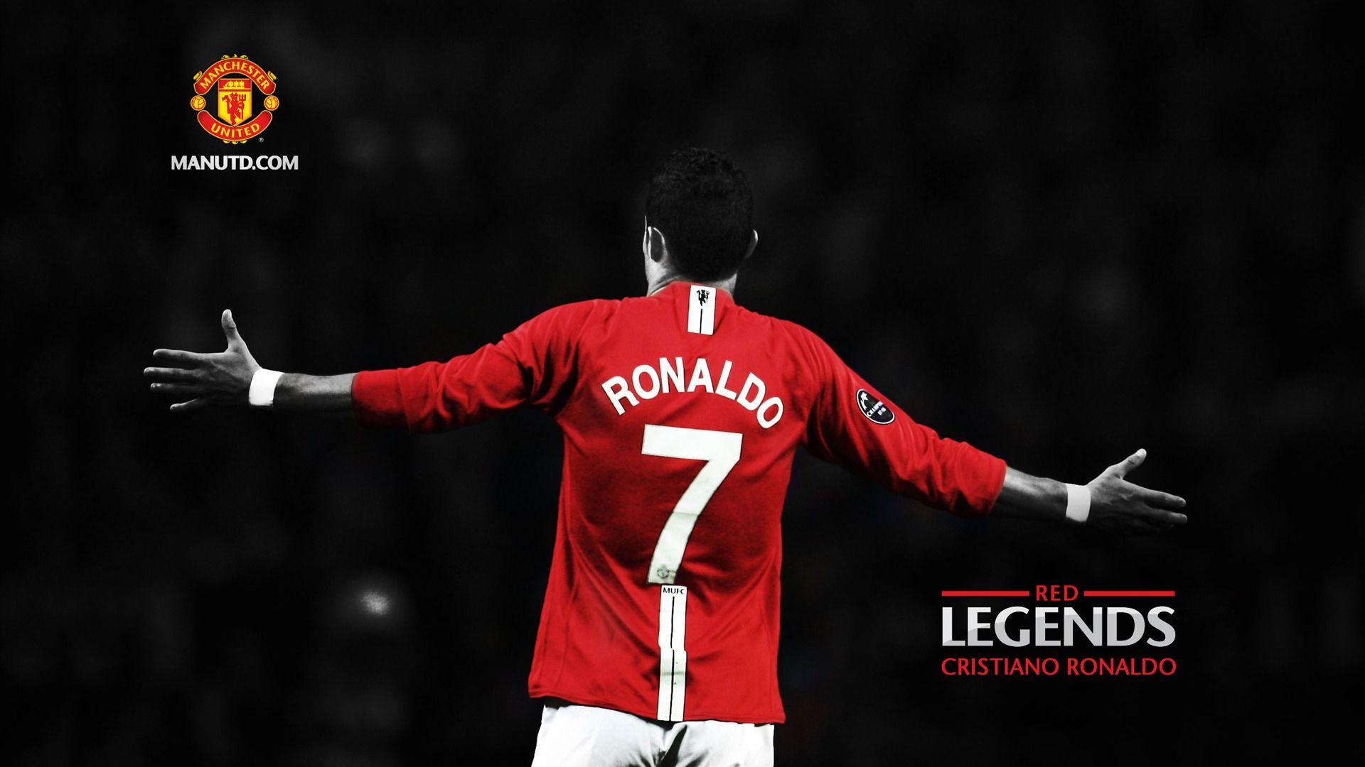 Cristiano Ronaldo Manchester United Hd Wallpaper Hd Wallpapers Manchester United Logo Cristiano Ronaldo Manchester Manchester United Wallpaper