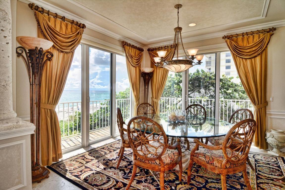 Oceanfront dining room