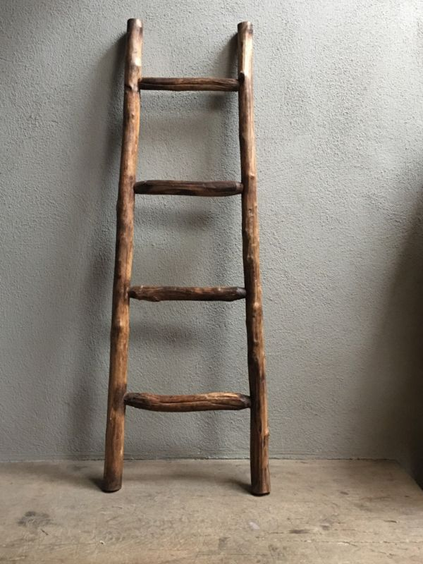 Oud houten ladder laddertje trap trapje landelijk brocant