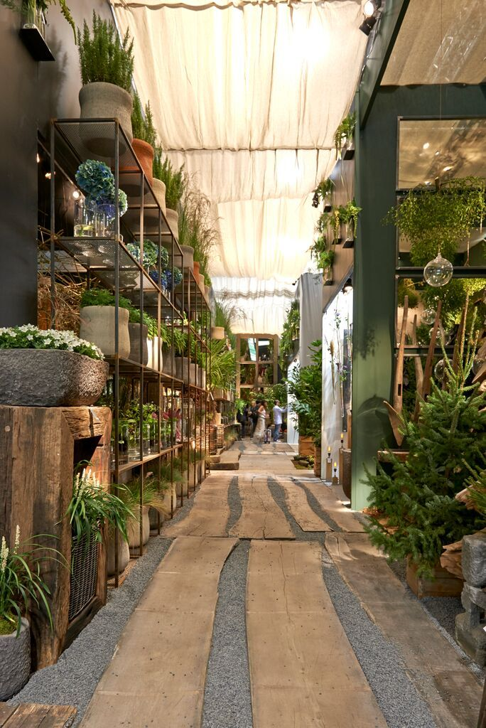 Gedeeld met Dropbox Garden center displays