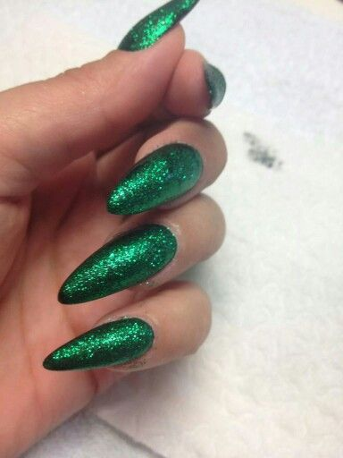 Sexy dark green glitter stilettos | Dagggers | Nails, Dark ...