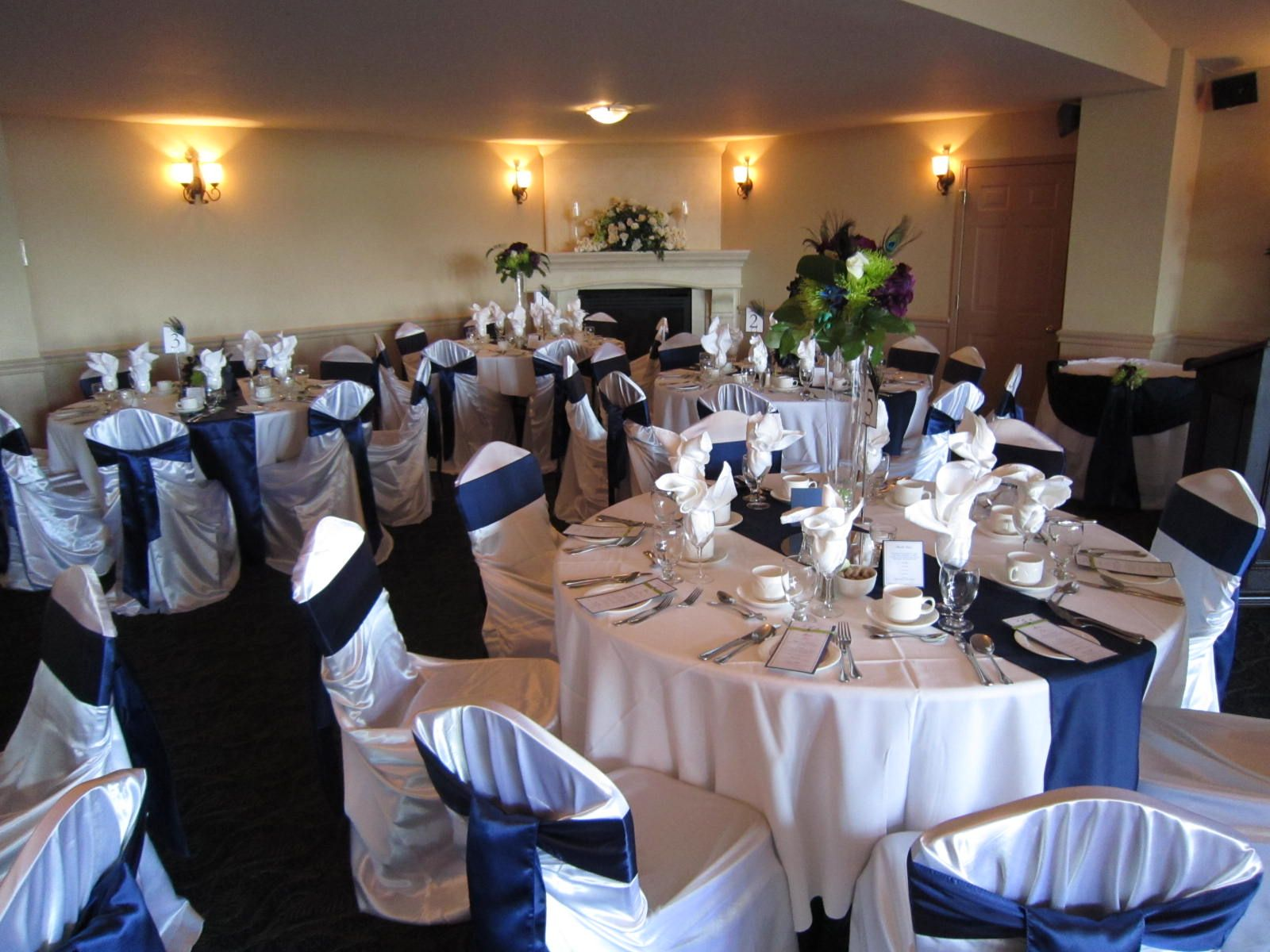 Best wedding ideas lovely navy blue wedding centerpieces for Wedding party table decorations