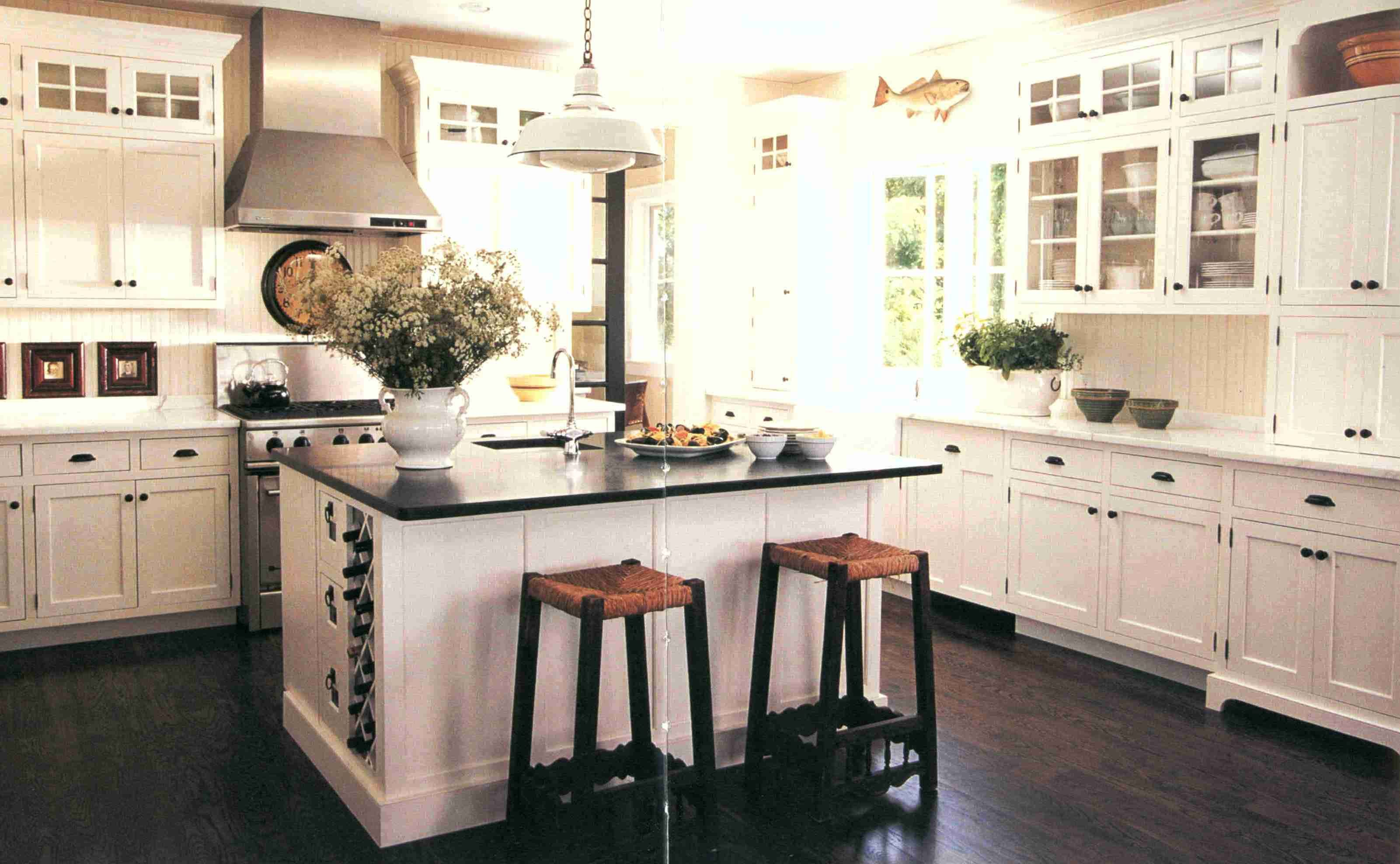 Love The Dark Floors And White Kitchen Cabinets Small Country Kitchens Country Kitchen Kitchen Remodel Small