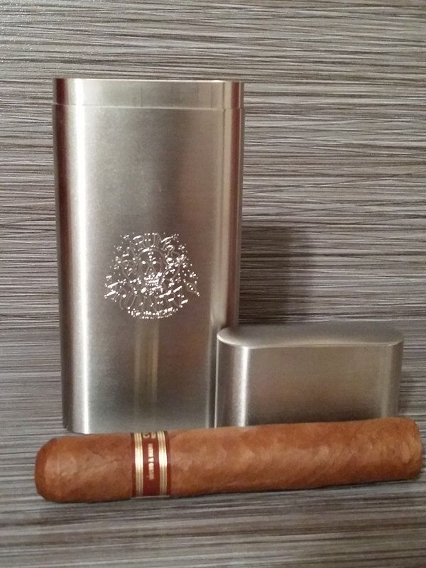 Personalized Brushed Stainless Steel Cigar Case by ThePenmansSentiment on Etsy https://www.etsy.com/listing/225460067/personalized-brushed-stainless-steel