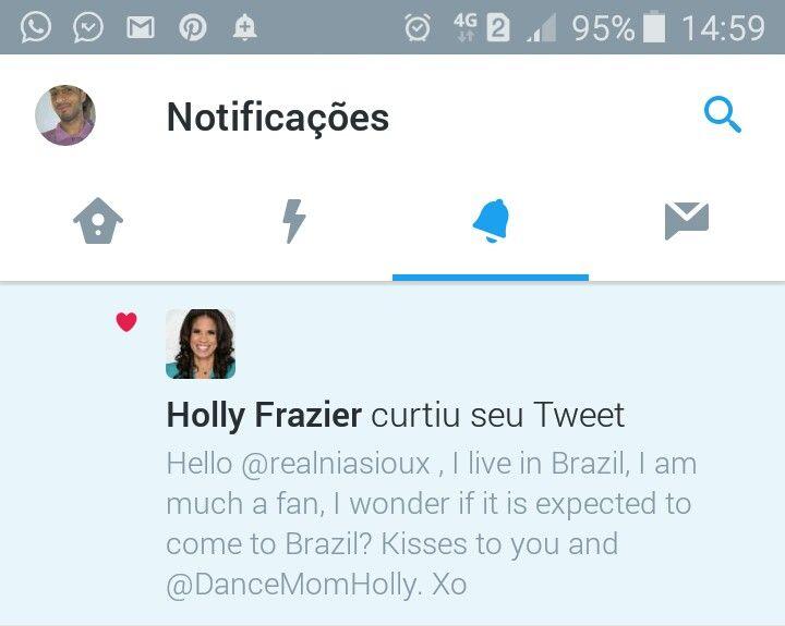 A Dr #HollyFrazier Mãe Da #NiaSioux De #DanceMoms Curtiu Meu #Twitter. 😍😍😍