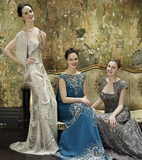 Season 1 Of Downton Abbey Begins In 1912 But The Fashions Late S
