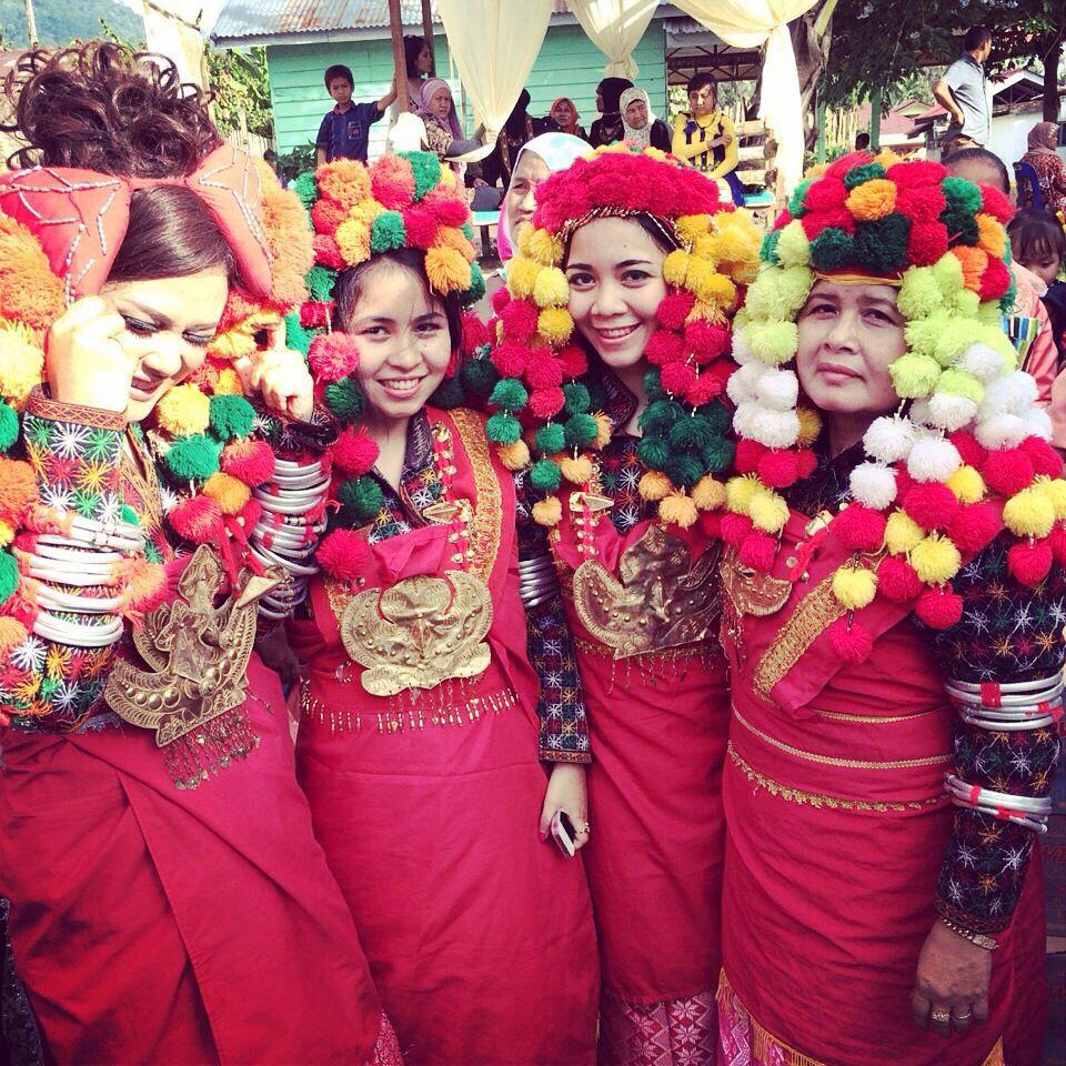 Apa Nama Pakaian Adat Aceh