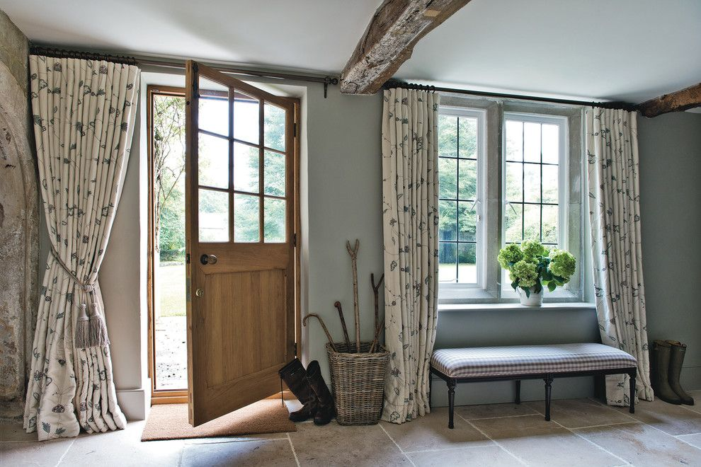 Ideas For Decorating Hall Entry Farmhouse With Exposed Beams Fl Curtains English Country