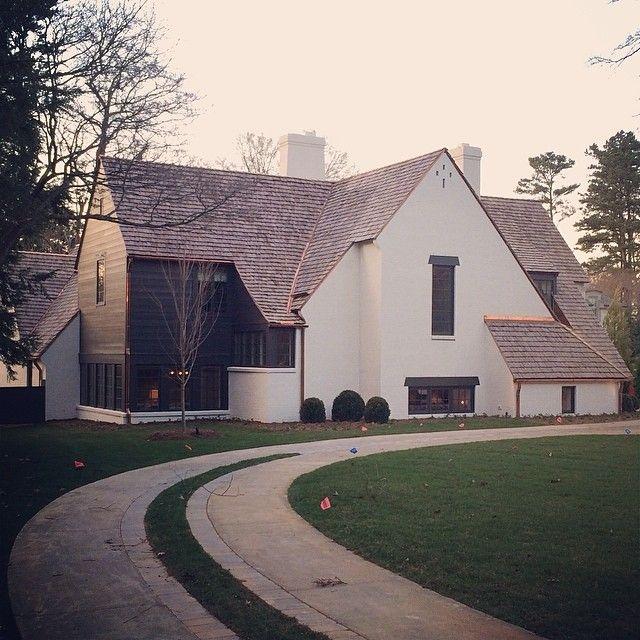Limestone boxwoods instagram limestonebox a new house in charlotte nc by ruard veltman