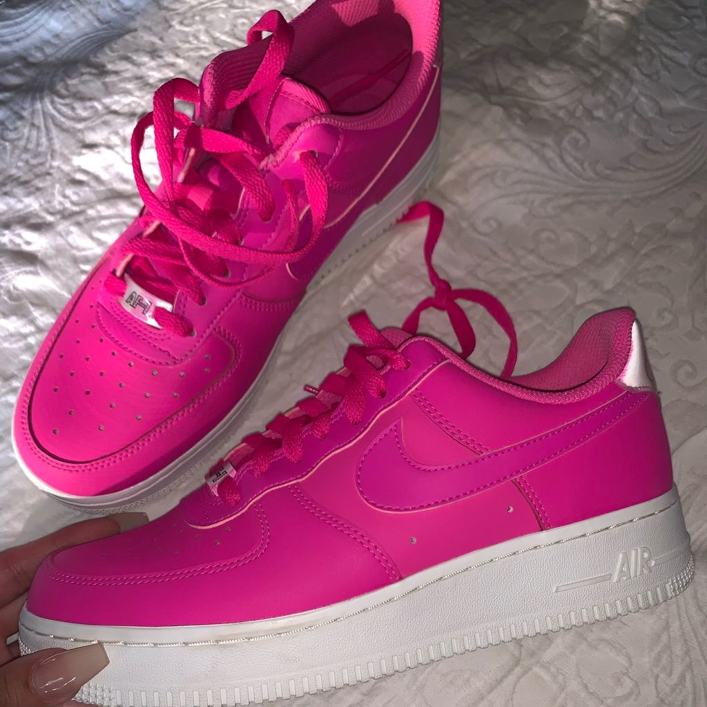 Nuestra compañía Hacer primavera  Hot Pink Nike Air Force One's | Pink nike shoes, Cute nike shoes, Pink  sneakers