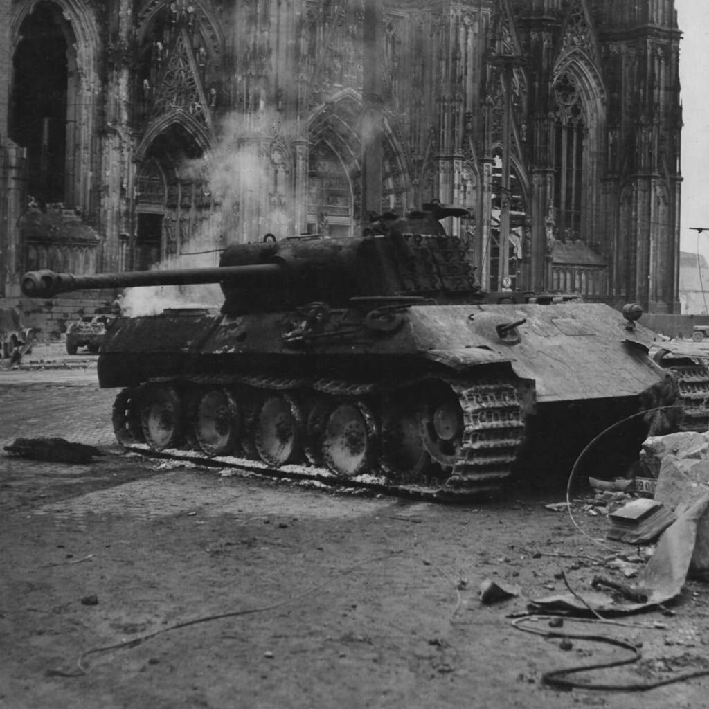 Panther tank cologne germany 1945 tanks pinterest for Koln ww2