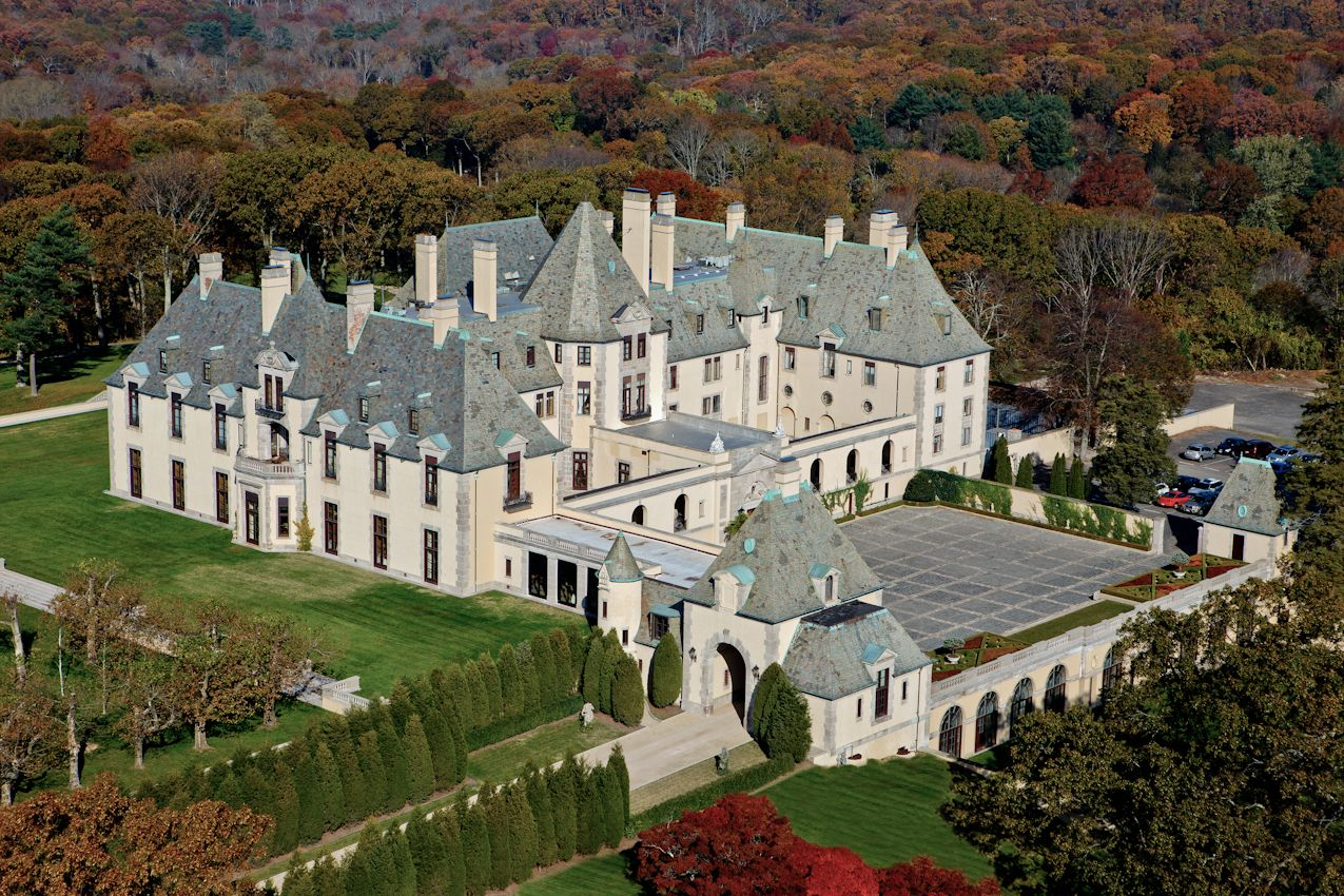 Autumn at Oheka Castle - Aerial - Photo Stephen Turner