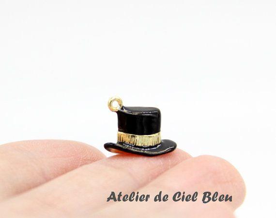 Alice in Wonderland Mad Hatter Hat Charm by AtelierdeCielBleu