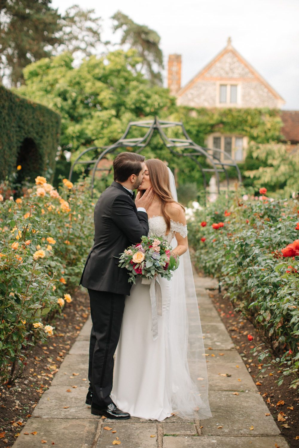9985eb7b19d Contemporary Elegance Wedding in the Countryside by M   J ...