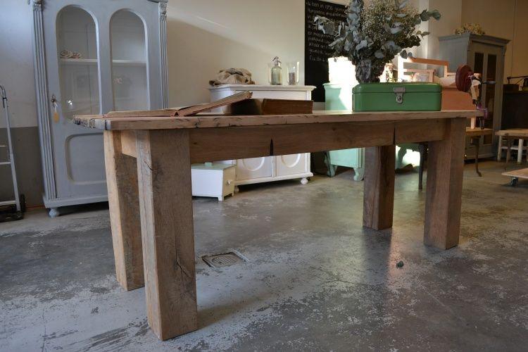 Tafel tafelblad balken latten planken van oud hout sloophout