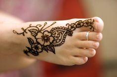 Henna Tattoo Foot On Pinterest Mehndi Designs Feet Easy Henna Henna Designs Feet Foot Henna Henna Tattoo Foot