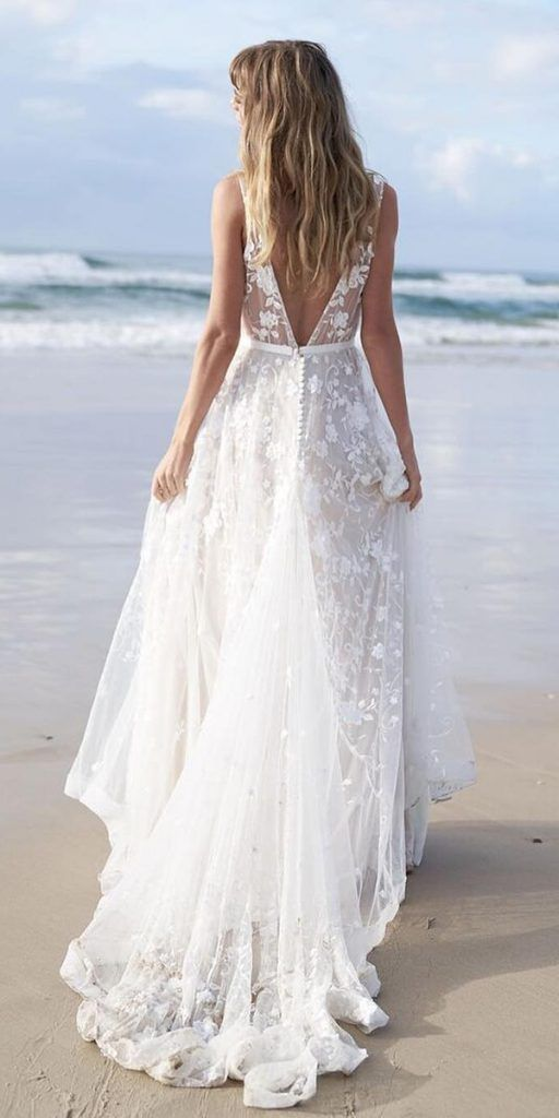 15 Amazing Destination Wedding Dresses For Yous