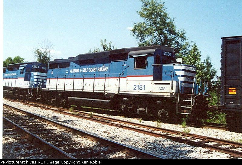 AGR 2181 (ex-CSX nee-B&O)   Description:  AGR 2181 Hybart, AL   Photo Date:  8/12/2000  Location:  Fountain, AL   Author:  Ken Roble  Categories:    Locomotives:  AGR 2181(GP30M)