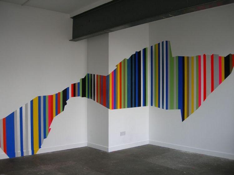 Figure Gomtrique Multicolore Applique Sur Des Murs Blanc Neige
