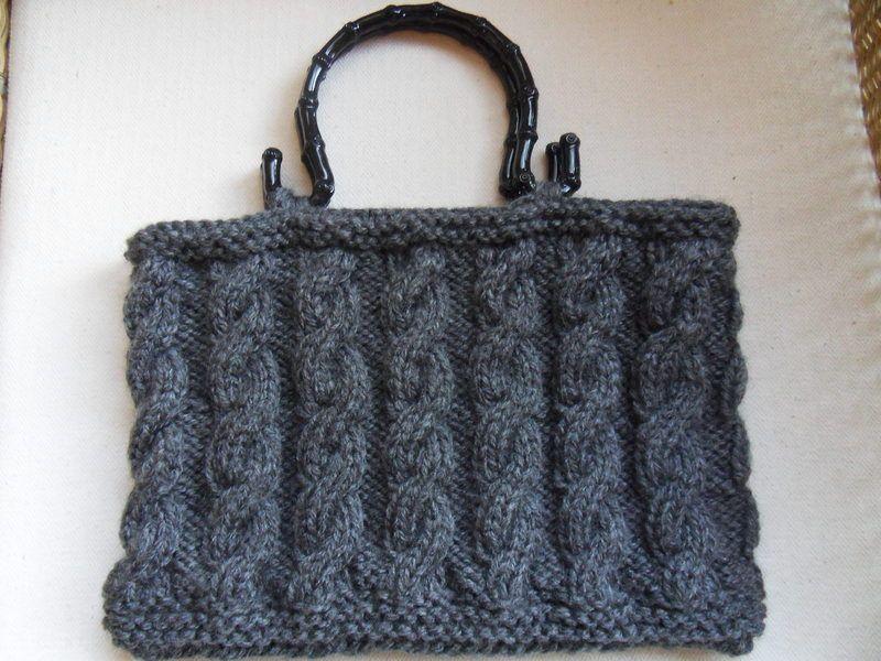 Mein Blog: http://lena1799.blogspot.de/    Gestrickter Handtasche mit exclusiver Griff und Innenfutter.  Gestrickt aus Eskimowolle    BEI VERSAND I...