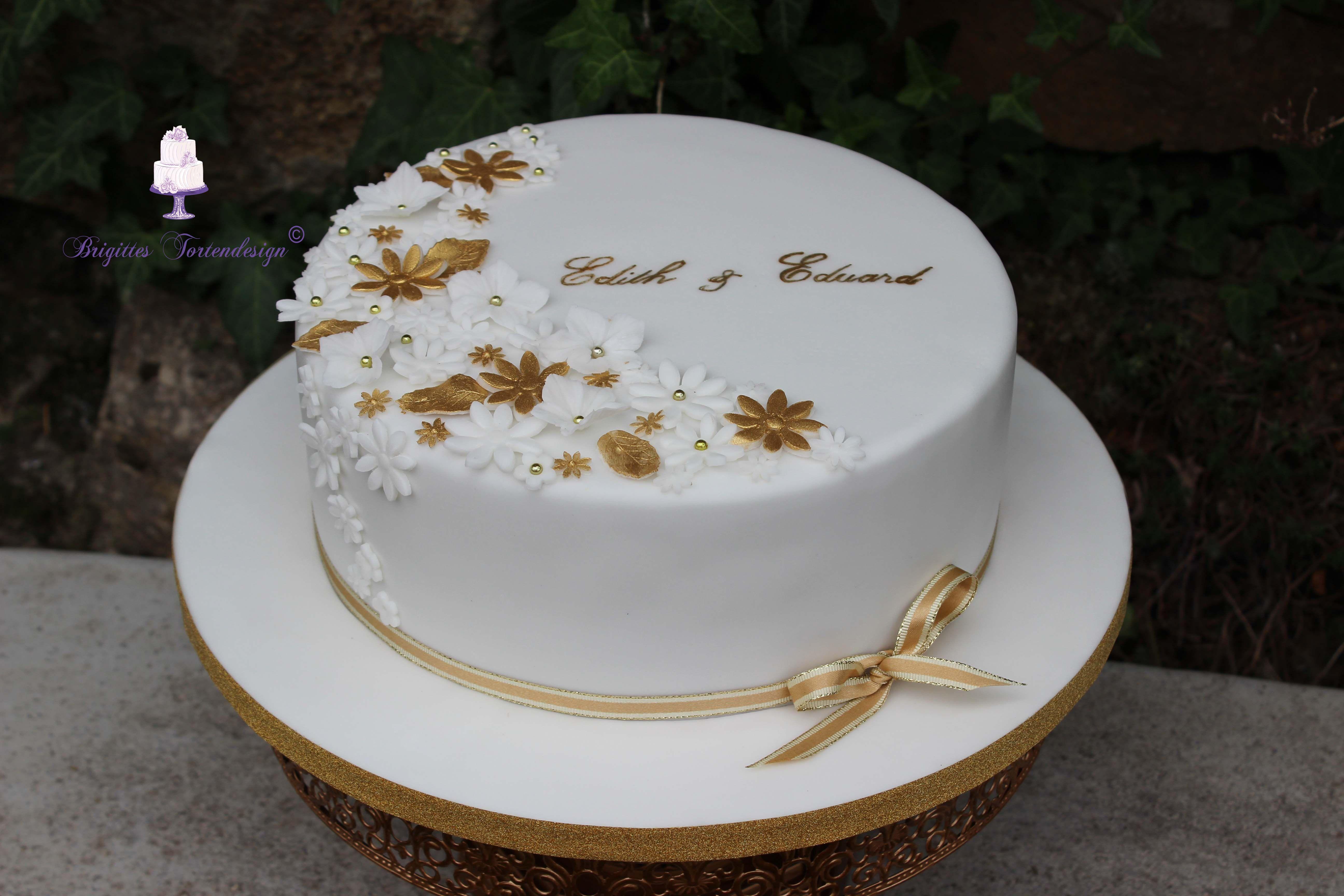 Pin Von Brigitte Jorasz Auf Meine Motivtorten Cakes Torte Hochzeit Torte Zur Goldenen Hochzeit Hochzeit Rezepte