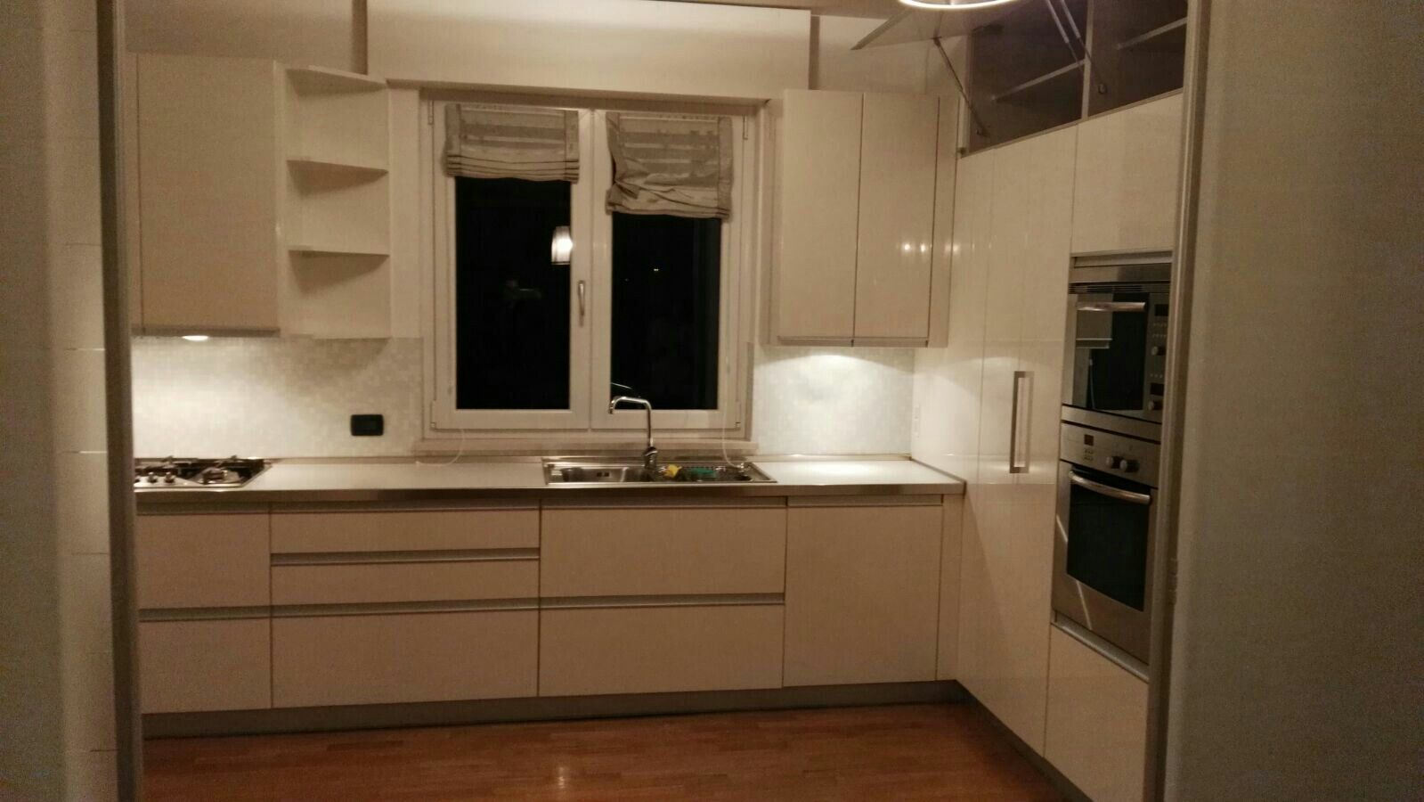 Cucina Biefbi in legno laccato lucido bianco, alta qualità, perfette ...