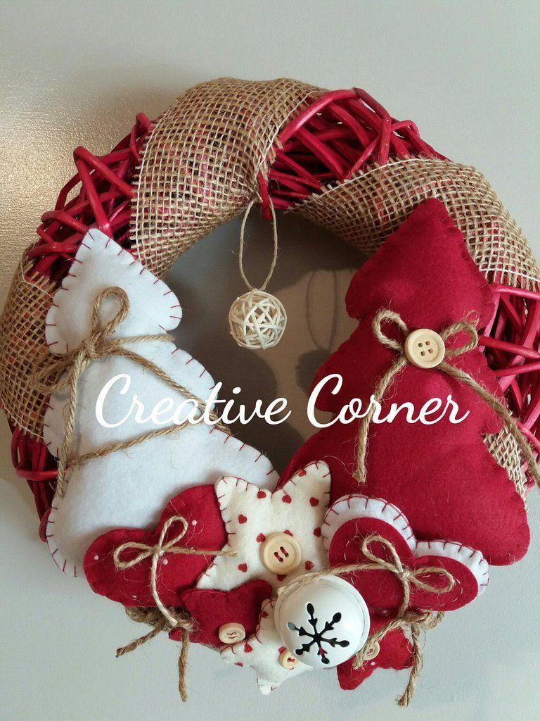 Regali Di Natale In Pannolenci.Ghirlanda Natalizia In Vimini Con Decorazioni In Pannolenci By
