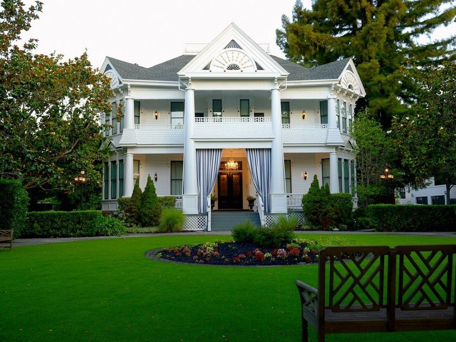 Book a Room at These White House Lookalikes Napa valley
