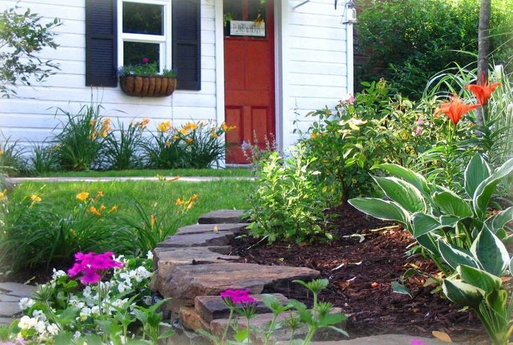 Landscaping Ideas For Front Yard |  small front yard landscape design  Landscape Ideas and Tips #smallfrontyardlandscapingideas